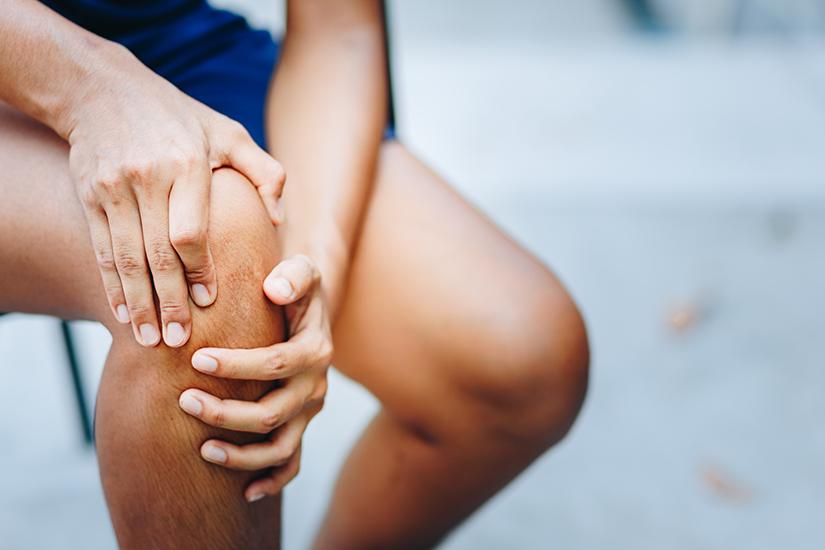 dureri de genunchi și furnicături