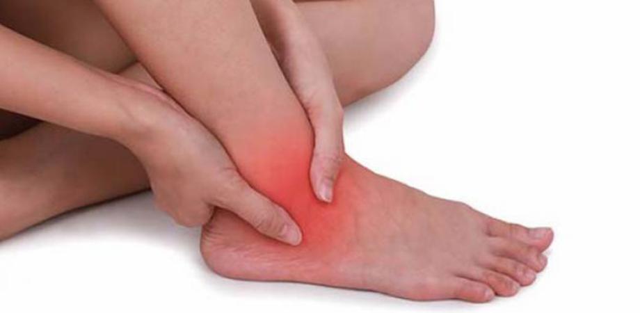 durere și umflare la nivelul articulațiilor gleznei semne ale artrozei artritei genunchiului