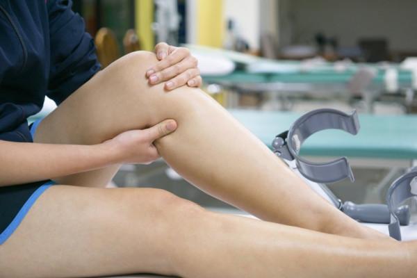 dureri de genunchi umflate