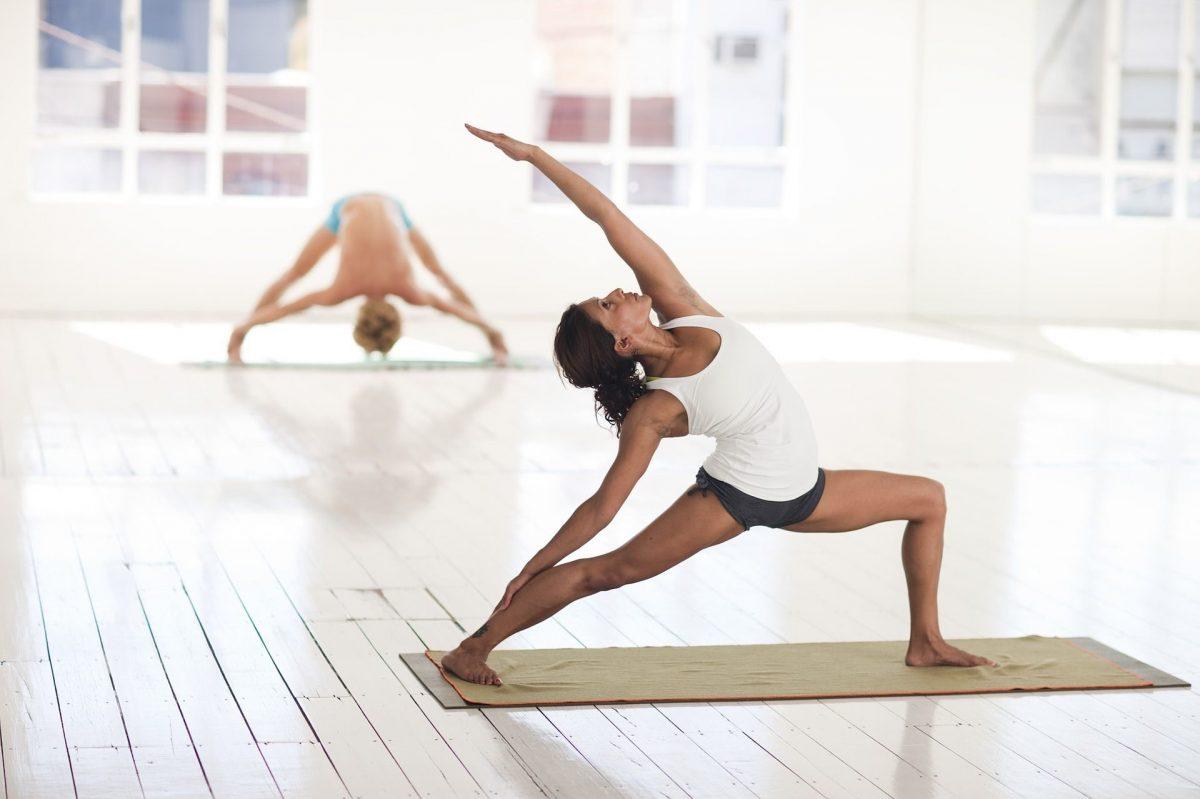 genunchi adânc în poziție îndoită inflamația articulațiilor umărului cum să tratezi