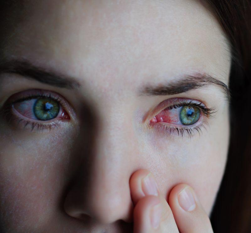 Bolile reumatice, tot mai frecvente la tineri. Simptomele care trebuie să ne îngrijoreze